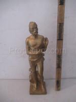 Statuette of a man