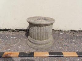 Low post under the flowerpot