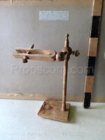 Laboratory equipment holder