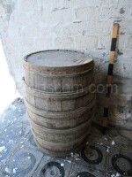 Barrel with hemp hoops