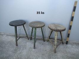 Round workshop chairs
