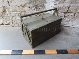 Folding tool box