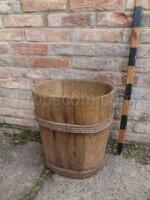 Oval bucket