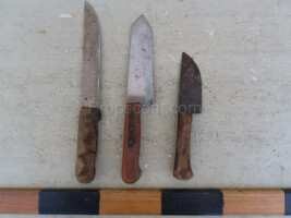 Knives different